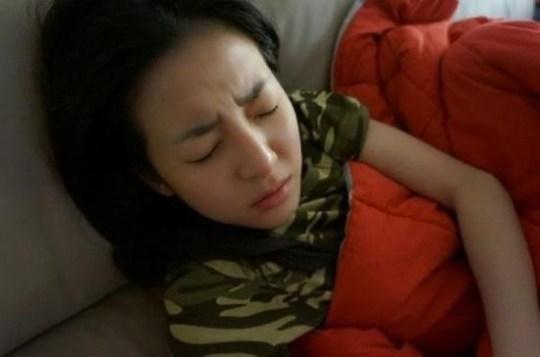 Thunder MBLAQ Mengunggah Foto Bangun Tidur Kakaknya, Dara 2NE1