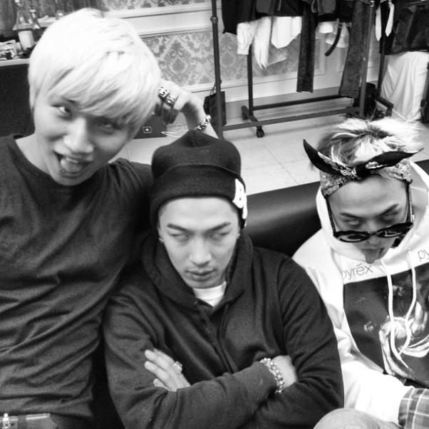 Daesung, Taeyang Dan G-Dragon Big Bang Ambil Selca Lucu Bersama